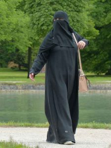 A Niqab in a German park Ludmilla https://pixabay.com/ public domain