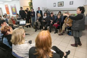 A forum with survivors at AMCHA center in Jerusalem (c) Claims Conference