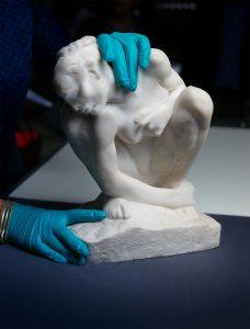 Auguste Rodin: The Crouching Woman Kunst-und Ausstellungshalle der Bundesrepublik Deutschland GmbH / Photo: Albrecht Fuchs