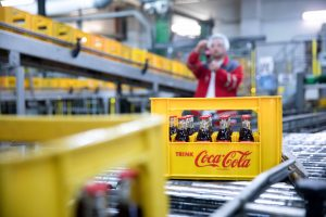 Creating food-safe packaging from different kinds of plastics (c) Coca-Cola Germany