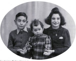 Helmut Sonneberg and his siblings, 1945 (c) Eintracht Frankfurt Museum